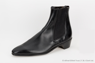 Single left men's black leather Chelsea boot; Clarks 'Savarin', 1964